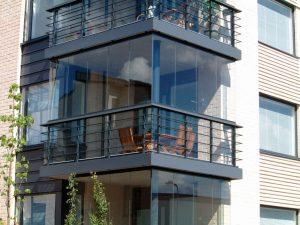 balkonu-stiklinimas-metalo-stiklo-konstrukcija